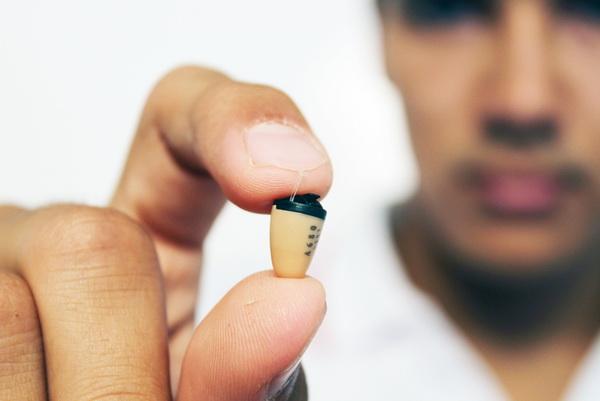 Зачем нужны микронаушники?