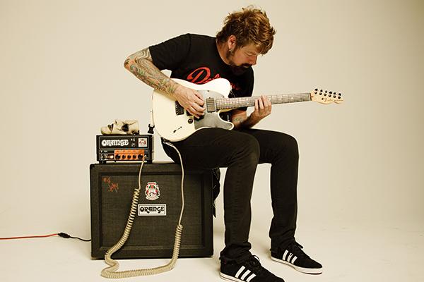 Как научиться играть на гитаре?Как научиться играть на гитаре?