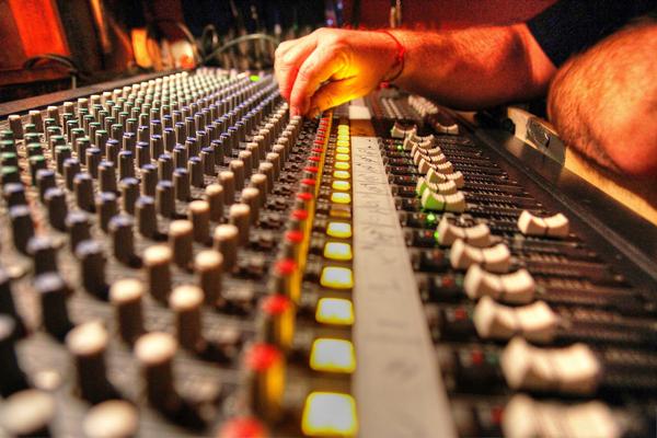 Где можно выучиться на звукорежиссераГде можно выучиться на звукорежиссера